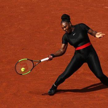 Serena Williams saat bertanding memakai catsuit.