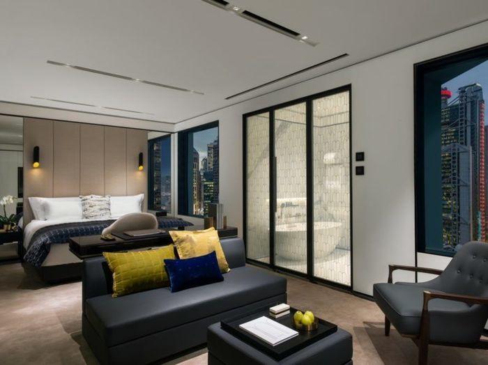 Foster+Partners mengubah kantor pemerintah ini menjadi hotel mewah di Hong Kong, dan baru saja dibuka untuk umum. Istimewa/Inhabitat.
