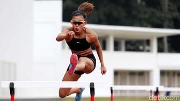 Emilia Nova Muda dan Berbahaya di Lintasan 100 M Lari Gawang