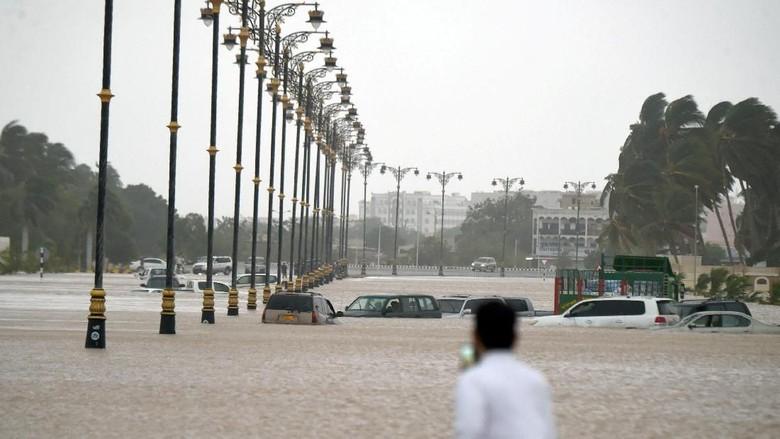 11 Orang Tewas Akibat Siklon Mekunu di Oman dan Yaman