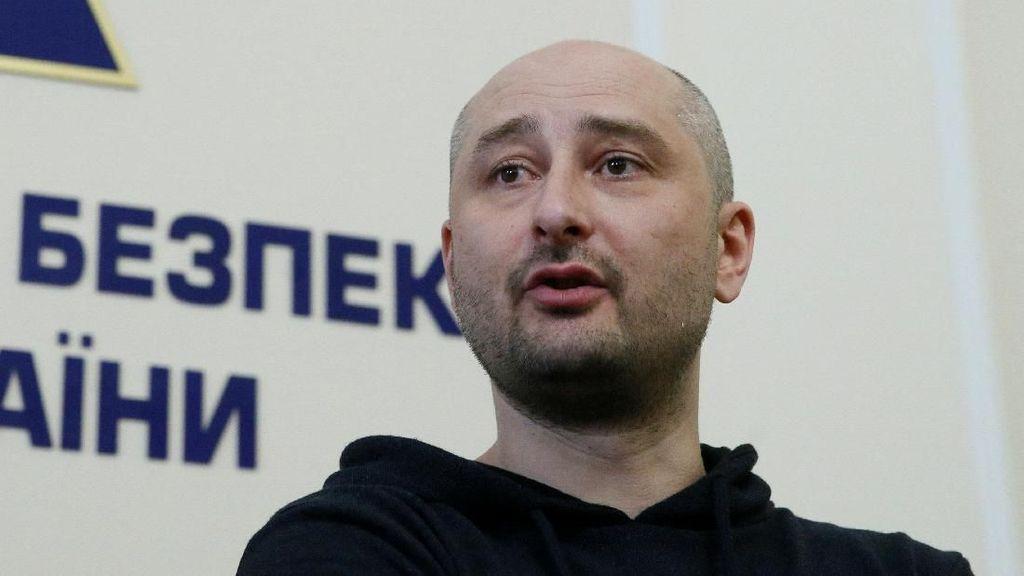 Jurnalis Pengkritik Putin yang Tewas Ditembak Ternyata Masih Hidup!