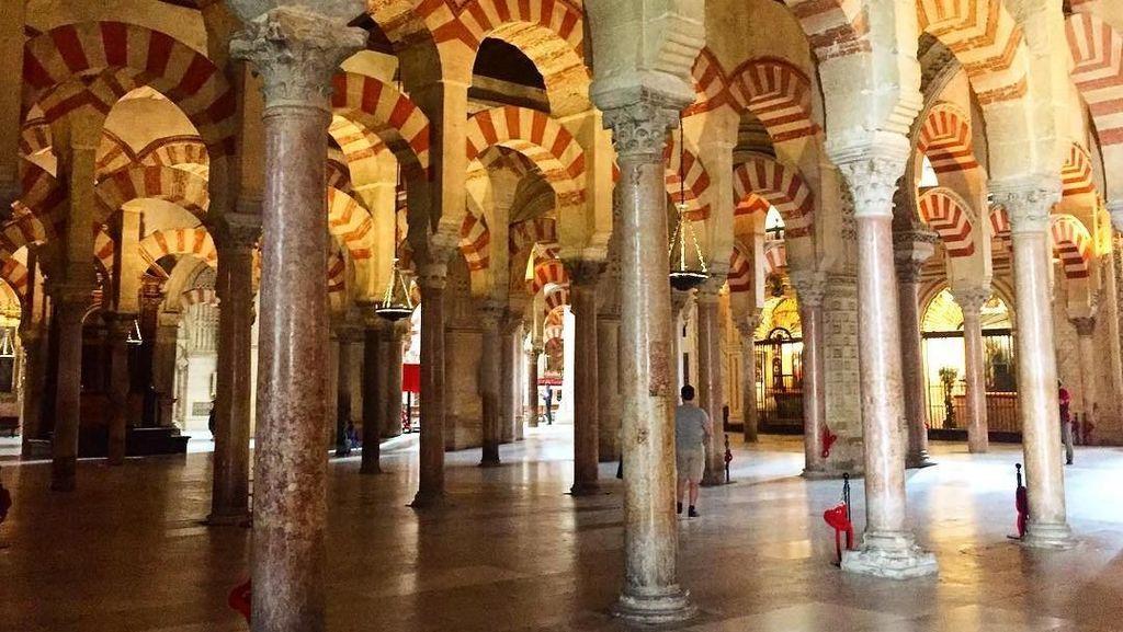 Gereja di Spanyol yang Jadi Masjid, Lalu Jadi Gereja Lagi