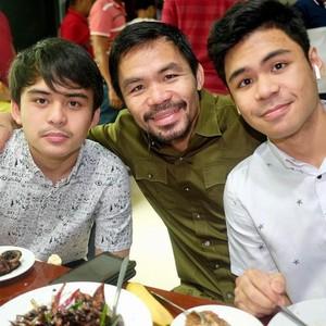 Petinju Manny Pacquiao Terbukti Sering Makan Besar Setelah Latihan