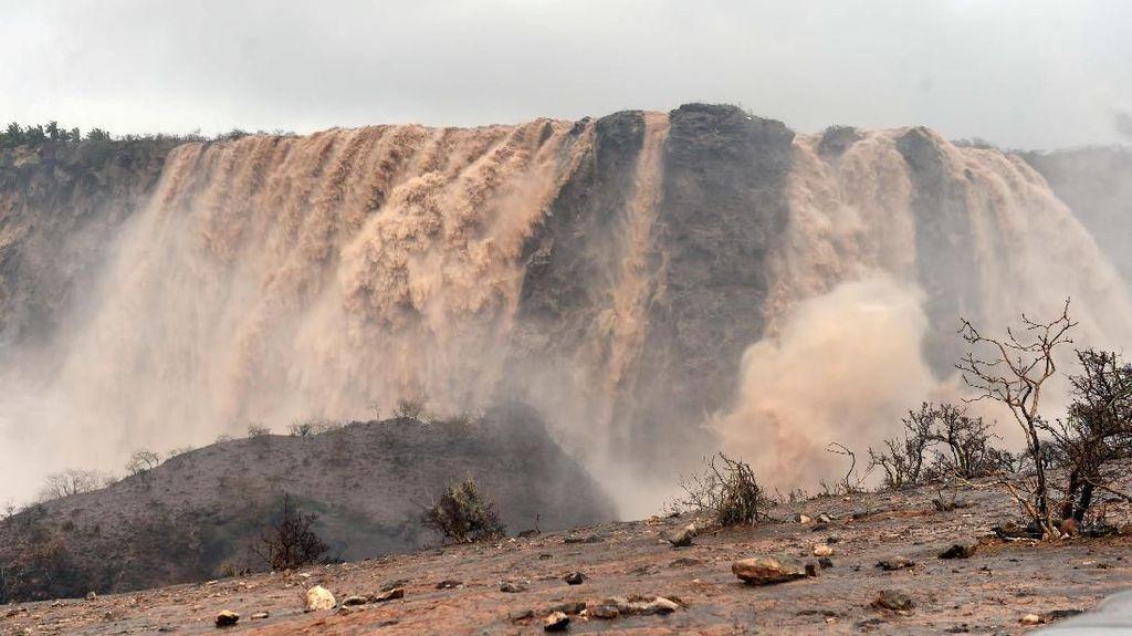 Foto: Begini Siklon Mekunu yang Tewaskan 11 Orang di Oman-Yaman