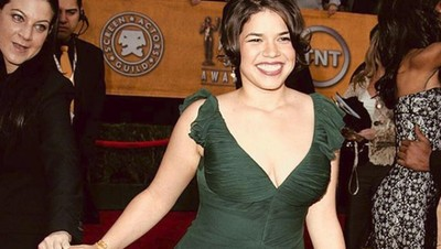 Cerita Pemeran Ugly Betty Menjalani Peran Sebagai Ibu Baru
