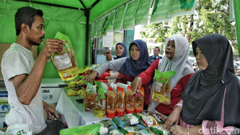 Belanja Sembako Murah di Pasar Rawamangun