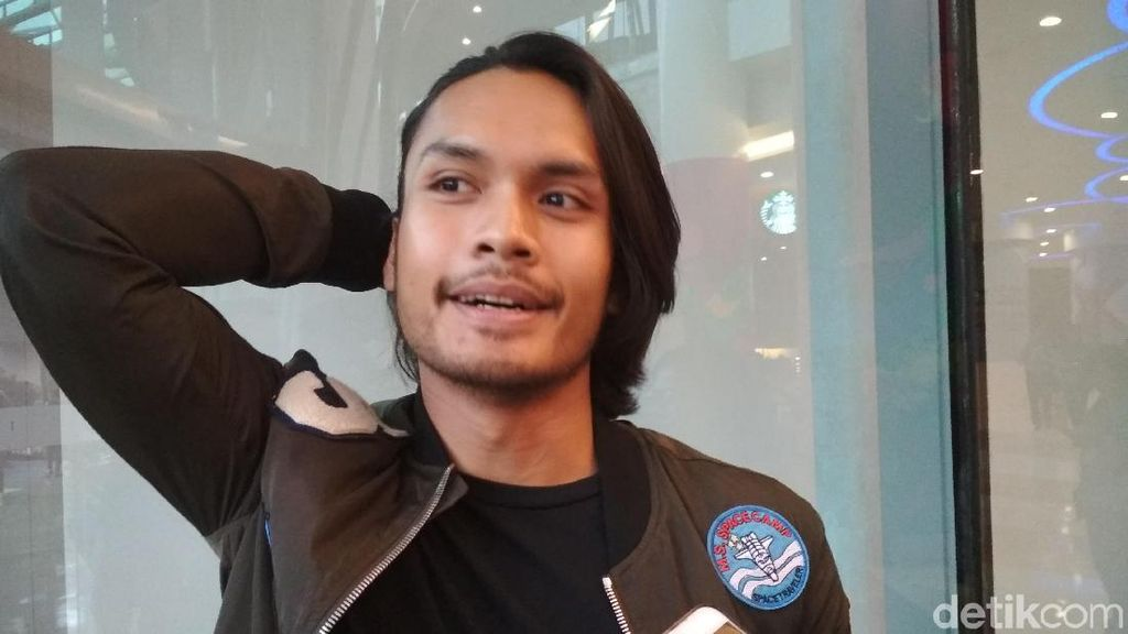Jauh-jauh ke Kanada, Randy Pangalila Bersyukur Lamaran Diterima