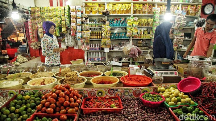 Bumbu dapur di pasar. Foto: Pradita Utama