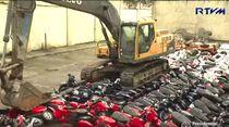 Filipina Hancurkan Vespa sampai Harley-Davidson Hasil Selundupan