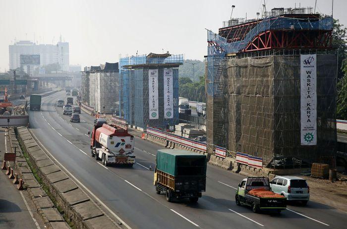 Tol Jakarta-Cikampek. Agung Pambudhy/detikcom.