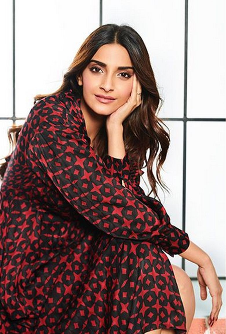 Ini dia Sonam Kapoor aktris bayaran termahal di negara India. Foto: Dok. Instagram/sonamkapoor