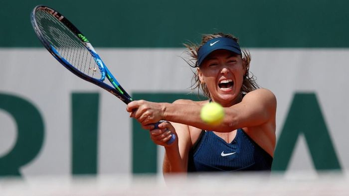 Maria Sharapova mengalahkan Donna Vekic di babak kedua Prancis Terbuka (Foto: Christian Hartmann/Reuters)
