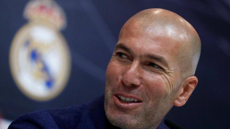 Setelah mengantarkan Real Madrid juara Liga Champions tiga kali berturut-turut, Zidane mundur dari kursi kepelatihannya (Juan Medina/Reuters)