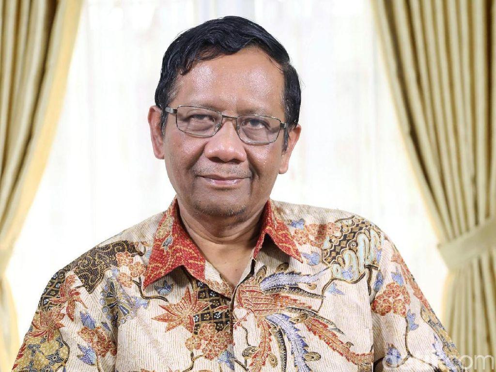 Mahfud Md Diredam Pro Jokowi, Diolah Kubu Prabowo-Sandiaga