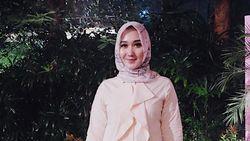 Ramadan, Desainer Dian Pelangi Cuci Mukena Musala di 4 Mall Jakarta