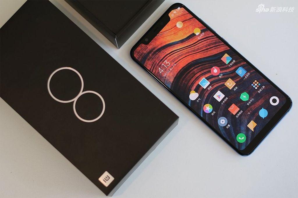 10. Mi 8 dengan skor 296.953. Foto: Sina Mobile