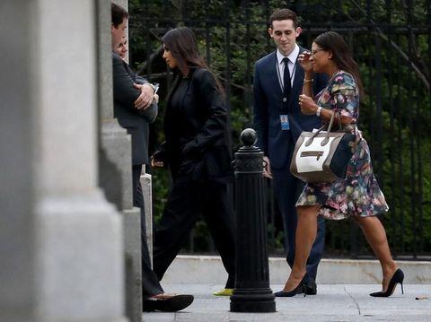 Kim Kardashian tiba di Gedung Putih untuk bertemu Presiden Trump.