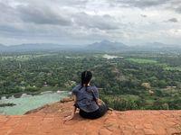 Istana Ajaib di Atas Batu Raksasa Sri Lanka