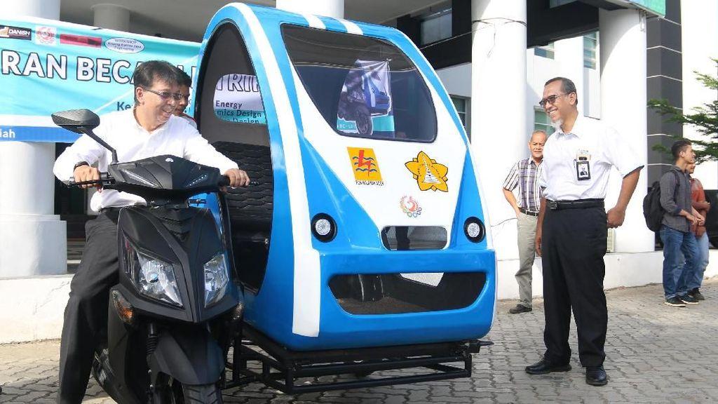 Becak listrik Karya Mahasiswa Aceh