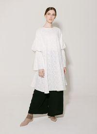 Cari Baju Baru? Ini 5 Gamis dan Dress Putih untuk Dipakai Saat Lebaran