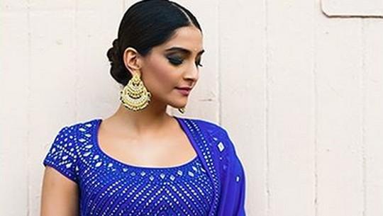 Pesona Si Seksi Sonam Kapoor, Bintang Mahal dari Bollywood