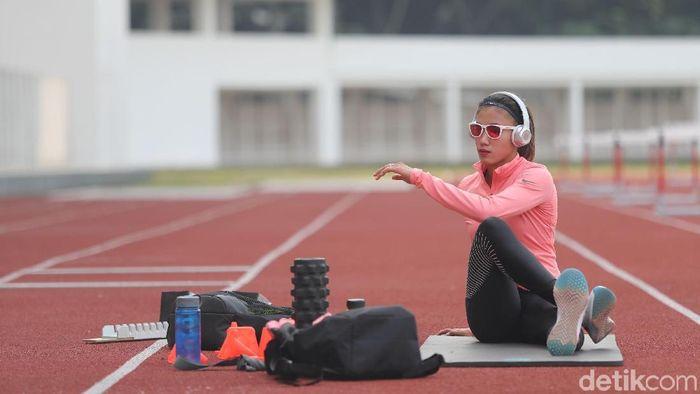 Emilia Nova Cepat dan Gaya Asyik di Lintasan Atletik . (Foto: Grandyos Zafna/detikSport)