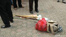Benda Mencurigakan di Masjid Cirebon Berupa Parang dan Busur Panah
