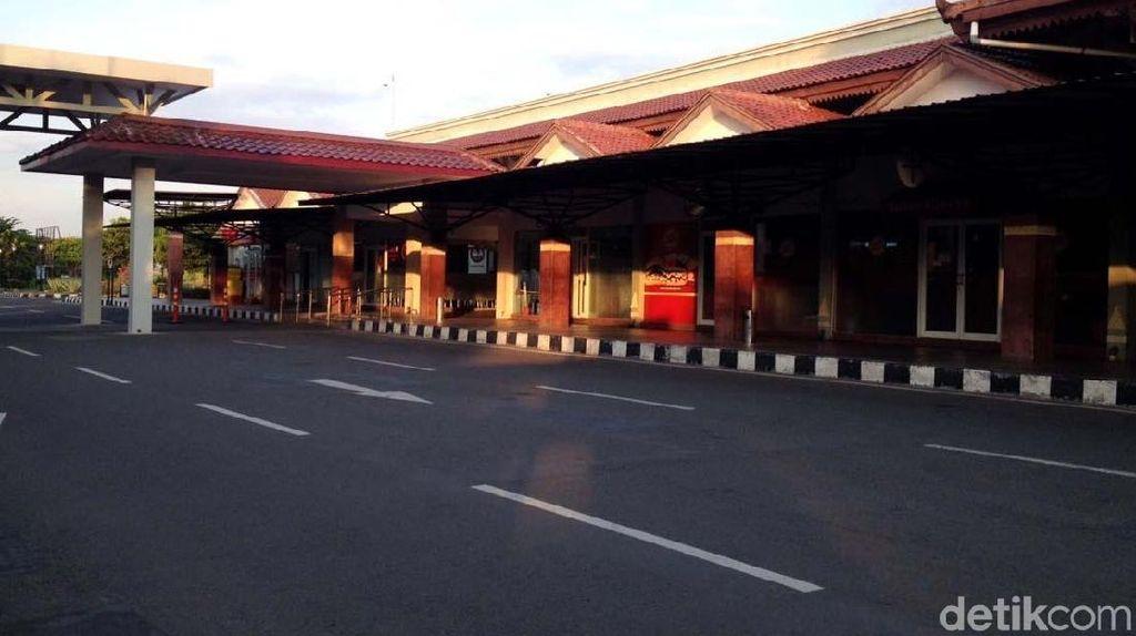 Sempat Tutup karena Erupsi Merapi, Bandara Adi Soemarmo Dibuka