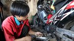 Dua Pekan Jelang Lebaran, Bengkel Motor Mulai Diserbu
