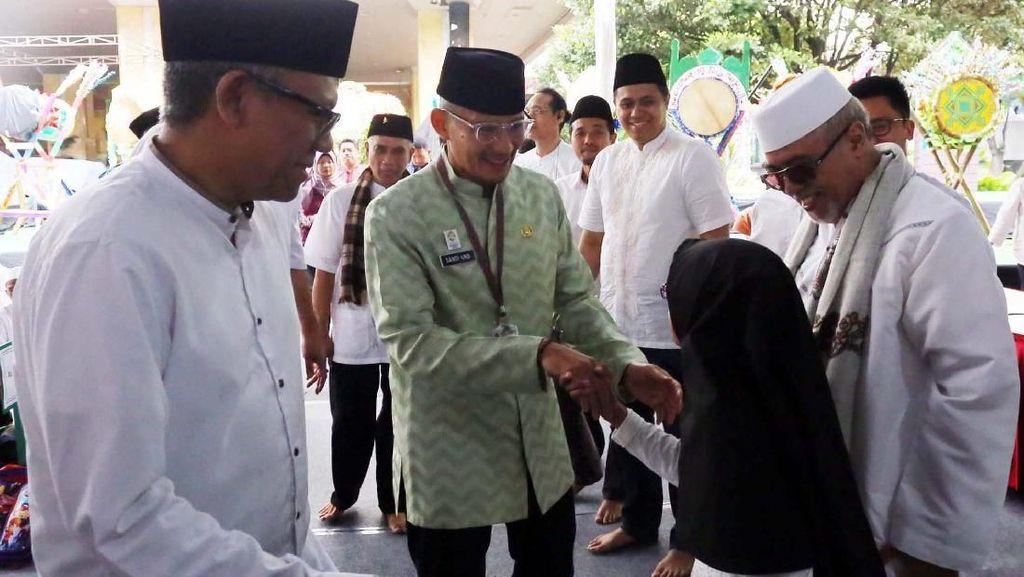Sandiaga Akui Ada 40 Masjid di DKI yang Terpapar Radikalisme