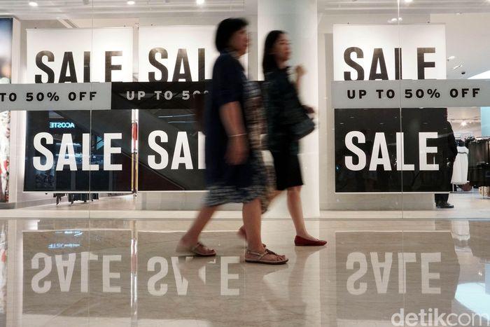 Senayan City menggelar midnight sale pada tanggal 1, 2, dan 3 Juni 2018.