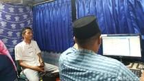 SIM Keliling Sambangi Masjid Disambut Antusias Warga Garut