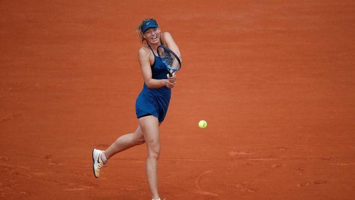 Maria Sharapova menang mudah atas Karolina Pliskova untuk lolos ke babak keempat Prancis Terbuka (Foto: Christian Hartmann/Reuters)