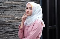 8 Hijabers Cantik yang Paling Sering di-Endorse Online Shop