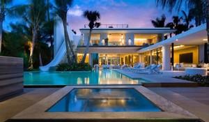 Bagaimana Jadinya Kalau Pantai Dibawa Masuk ke Dalam Rumah?