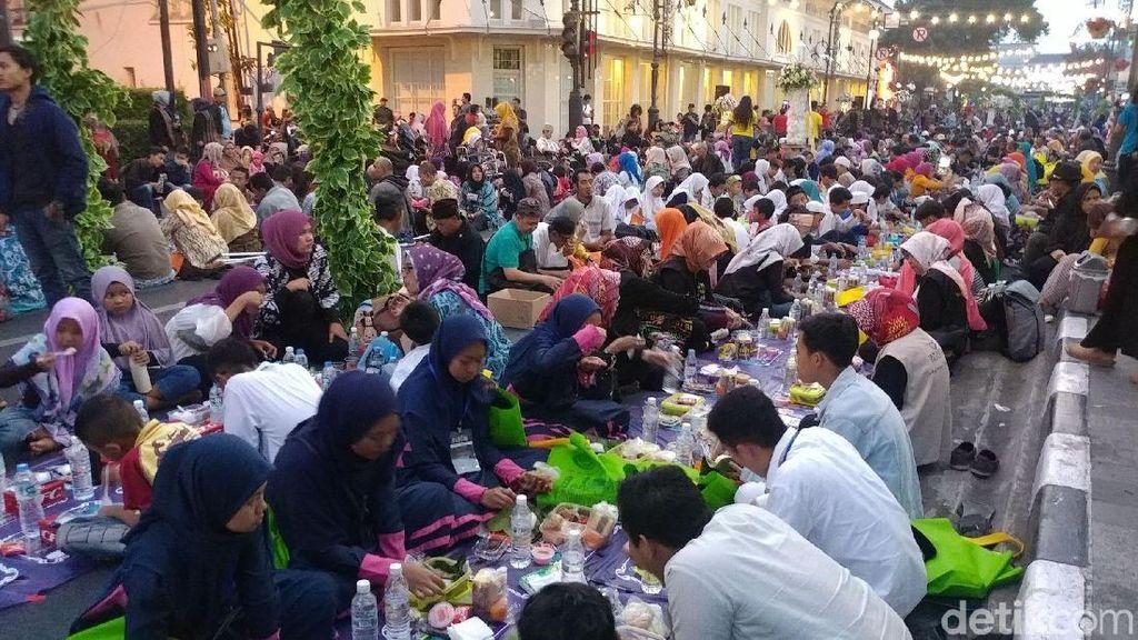 Buka Puasa Bersama On The Street Digelar Serentak di Jabar