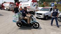 Jonan Wira-wiri Naik Motor Pengangkut BBM