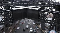 Jadi Spiderman di Harbour Bridge Sydney, Mau Coba?