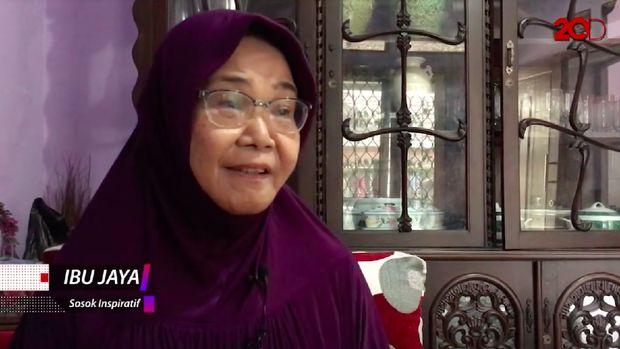 Bu Jaya sudah 28 tahun mengalami kelumpuhan.