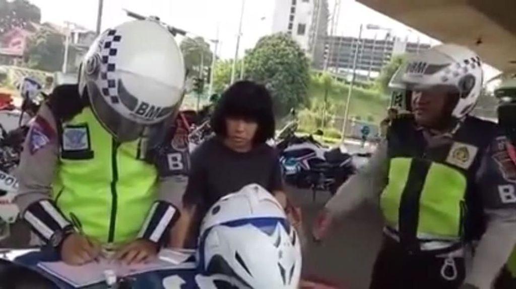 Cerita Viral Emak-emak Ngamuk Ditilang Polantas