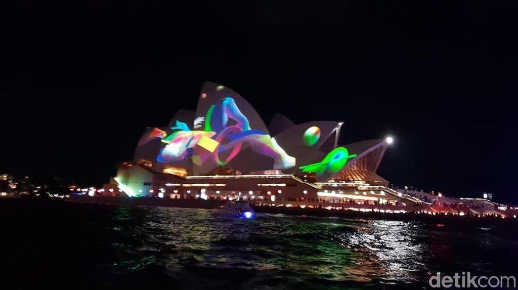 Saat Sydney Mandi Cahaya dan Pesta 23 Malam