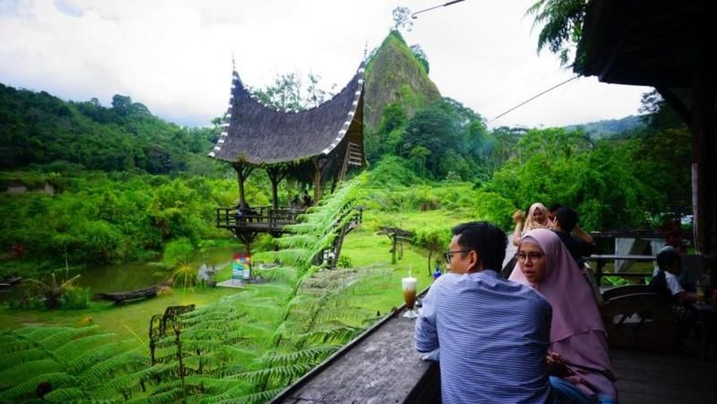 Ada Tempat Ngopi Asyik di Kaki Ngarai Sianok