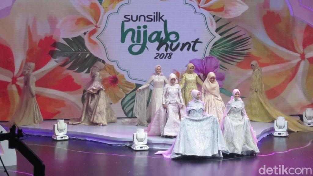 Anggunnya 15 Finalis Sunsilk Hijab Hunt 2018 di Pembukaan Grand Final