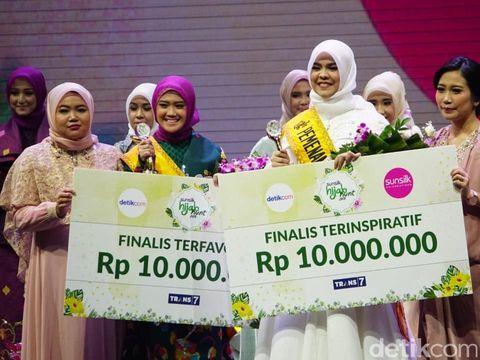 Juara Favorit dan Inspiratif Sunsilk Hijab Hunt 2018.