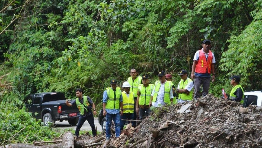 Pemerintah Tangani 23 Titik Longsor di Pulau Seram