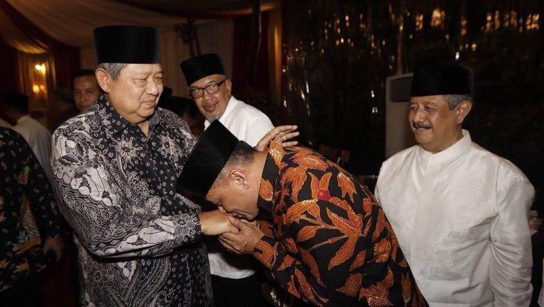 Gatot Cium Tangan SBY, Gerindra: Jokowi Juga Cium Tangan Megawati