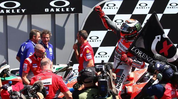 Jorge Lorenzo meraih gelar juara seri pertama bersama Ducati.