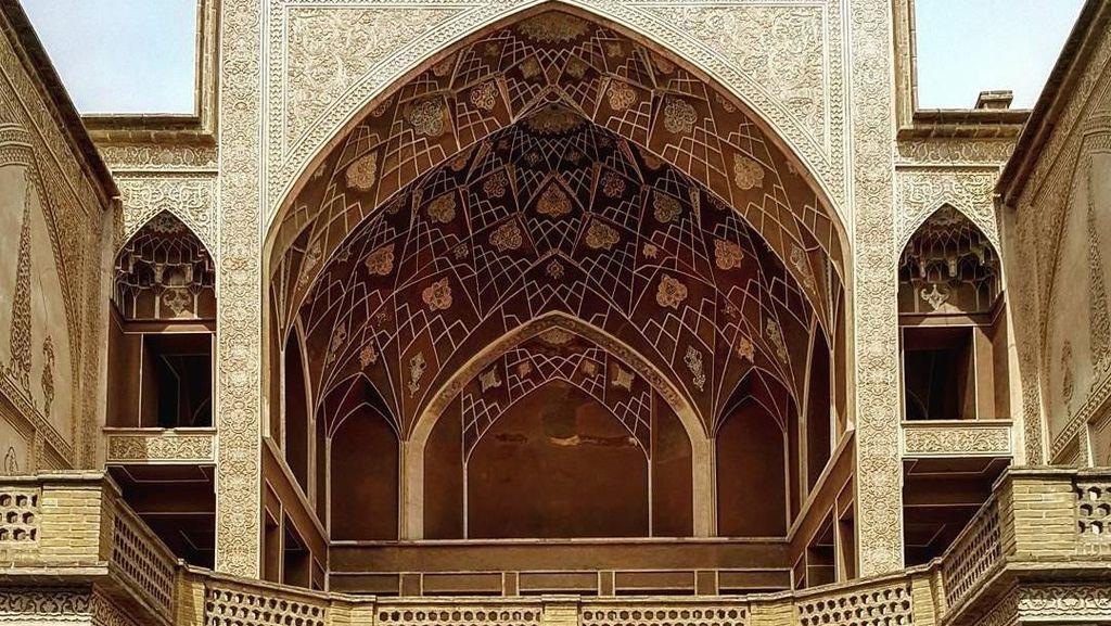 Deretan Foto Arsitektur Masjid di Iran Bikin Mata Terpana