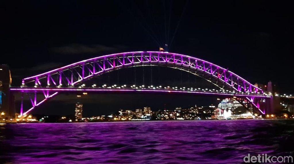 Foto: Sydney yang Bermandikan Animasi Cahaya