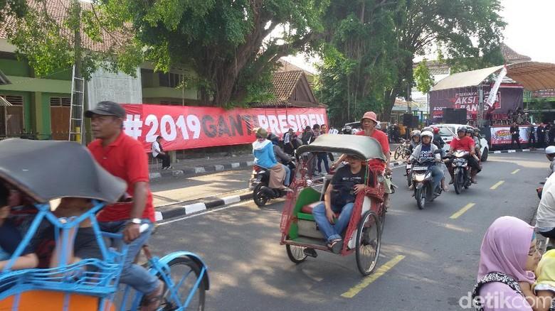 Ada Aksi, Spanduk #2019GantiPresiden Digelar di Alun-Alun Yogya
